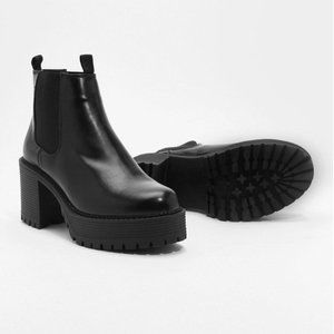 Black High Platform Chelsea Boots with Heel Pull
